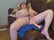 Chubby redheaded mature and her vibrator part one